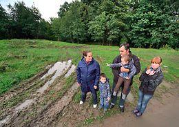 Медведев потребовал ликвидировать очередь многодетных семей на бесплатное получение земли