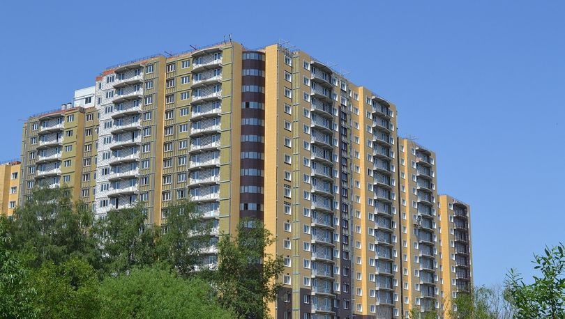 Квартиры в проблемном ЖК «Дом у озера» может купить Смольный