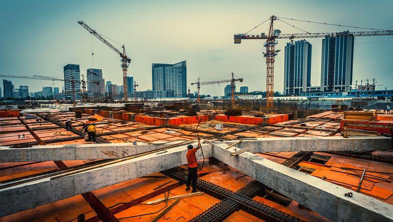 С начала года комитет по строительству оказал гражданам более тысячи госуслуг