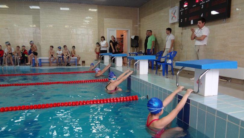 В Красносельском районе открыли новый спорткомплекс с бассейном