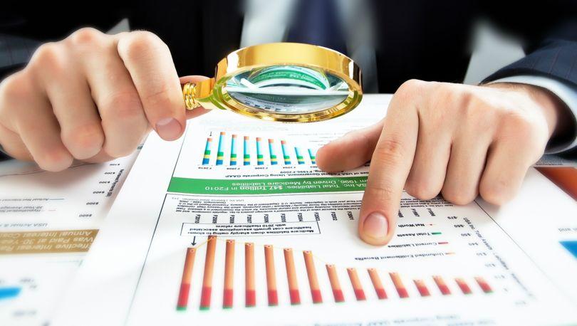 анализирует финансы региона