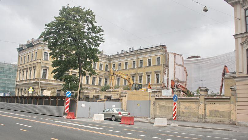 Суд признал законными решения КГИОП в отношении дома Мордвиновых