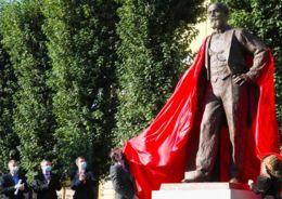 памятник Путилову