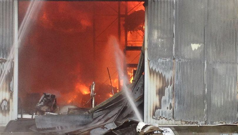 На ул. Софийской горел склад
