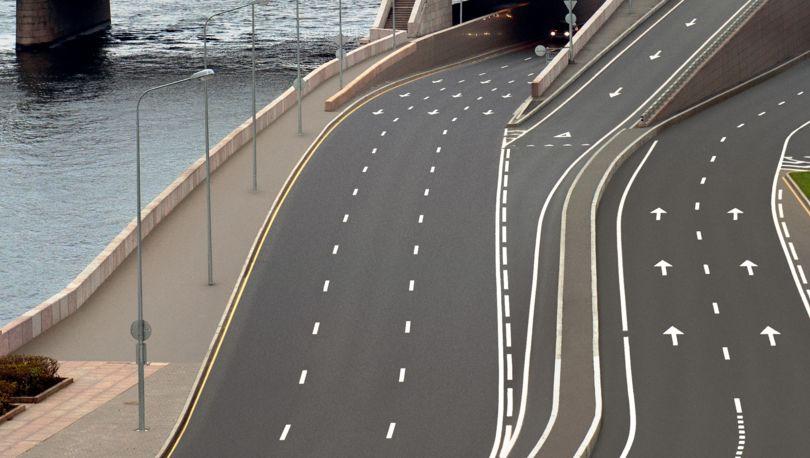 шоссе на набережной