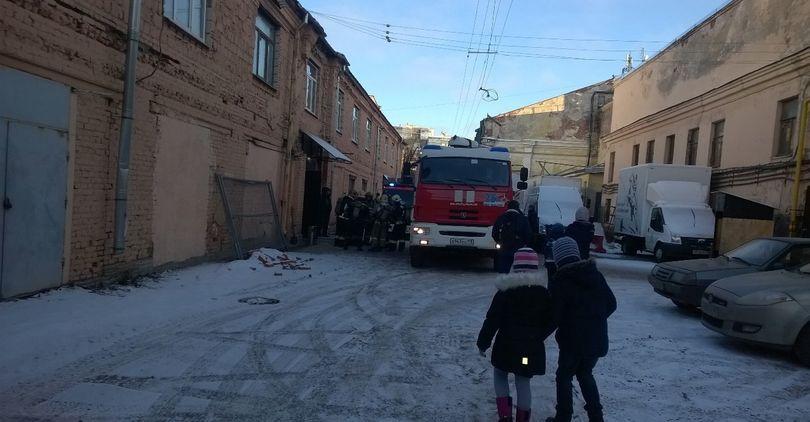 Эвакуация детей с киностудии «Ленфильм»