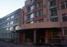 Школу на Маршала Казакова достроят в октябре
