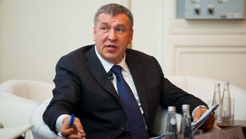 Албин: Решение вопросов развития транспортной инфраструктуры и дорожной сети является приоритетным