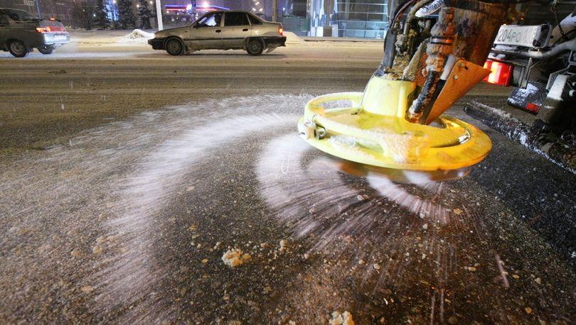 21 тыс. тонн реагентов использовали в Петербурге зимой