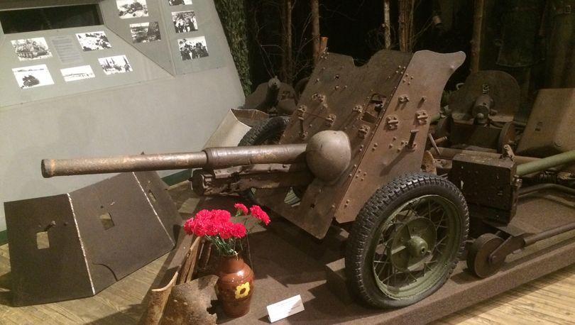 Пушка времен Второй Мировой войны