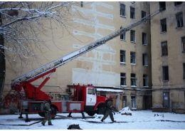 В Невском районе тушили крупный пожар
