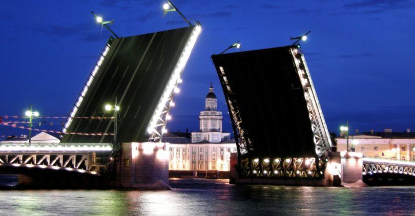 ВПетербурге Дворцовый мост начнут разводить под классическую музыку