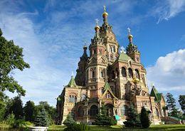 В Петергофе отреставрируют главку собора Петра и Павла