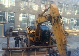 При строительстве теплотрассы к ЖК «Риверсайд» ушел под землю экскаватор