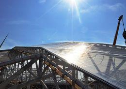 На крыше «Зенит - Арены» начался монтаж светопрозрачного покрытия