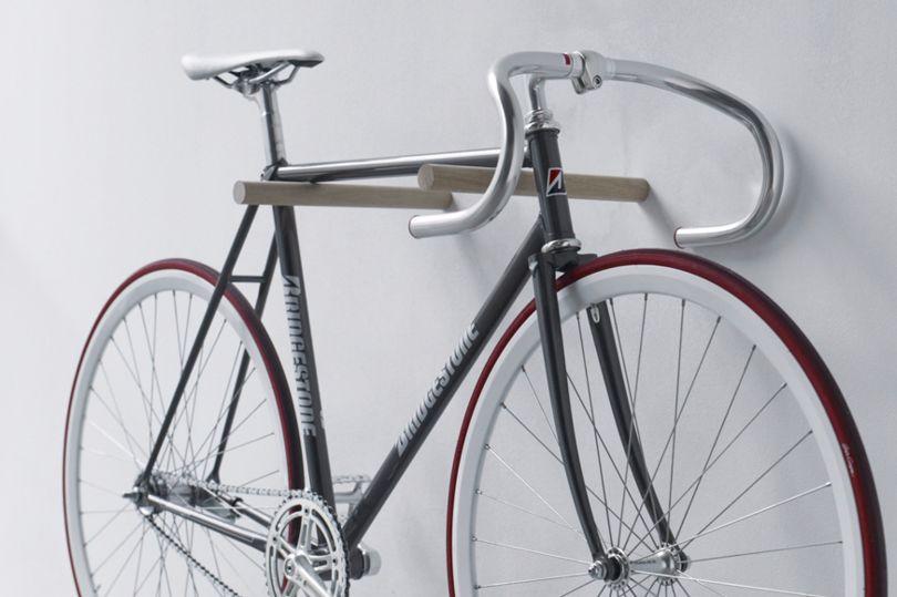 велосипед в кладовке