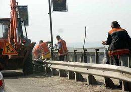 На трассах «Россия» и «Псков» отремонтируют мост и путепровод
