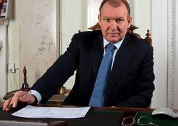 Глава Приморского района Петербурга покидает пост после