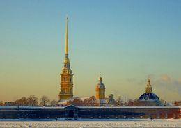 Хулиганы пытались водрузить пиратский флаг на шпиль Петропавловского собора