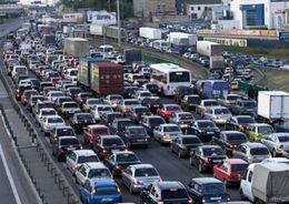 Движение в центре Петербурга ограничат до середины мая