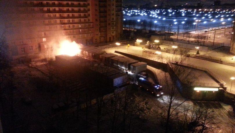 50 человек тушили пожар на стройплощадке ЖК