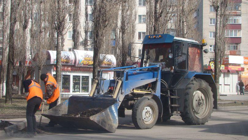 За прошедшую неделю с улиц Петербурга было вывезено почти 300 тонн мусора