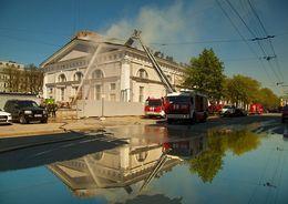 МЧС Петербурга: рабочие непричастны  к пожару в Манеже