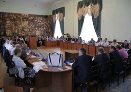 Псковские депутаты едва не отправили в отставку сити-менеджера из-за ситуации в ЖКХ