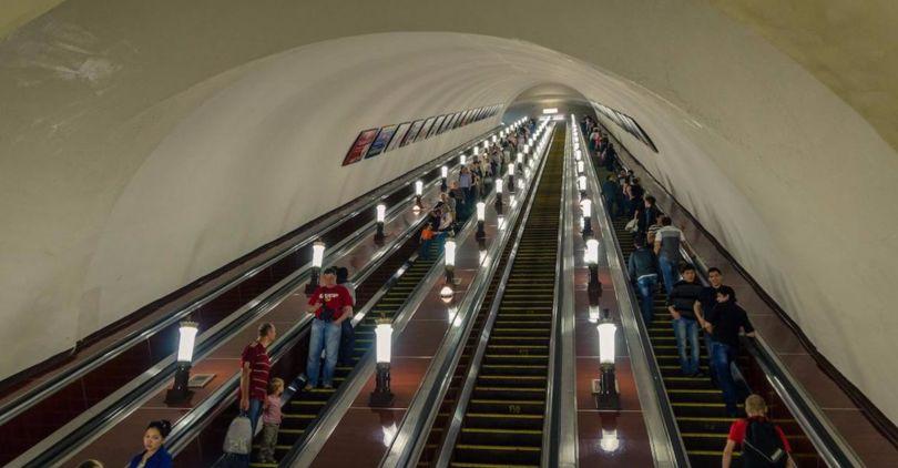 Петербуржцам ограничат вход настанцию метро «Звездная»