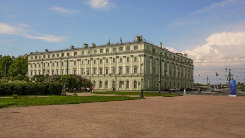 Служебный корпус Мраморного дворца