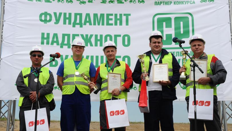 В Ленобласти определили лучших машинистов экскаваторов и водителей погрузчиков