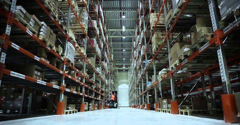 Объем поглощения складов превысил объем ввода
