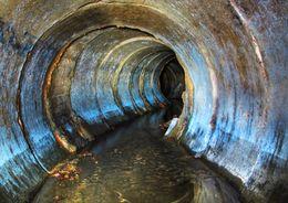 Началось строительство кольцующего канализационного коллектора по Бассейной улице