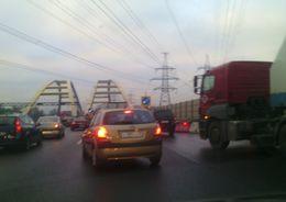 На КАД на месяц закроют участок в районе моста через Охту