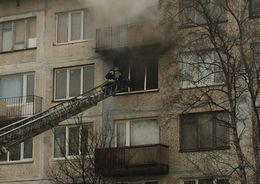 Из горящего дома в Альпийском переулке спасли четырех человек