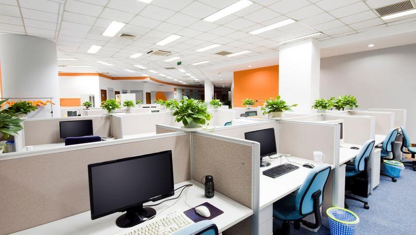 Падение ставок аренды офисов притормозило