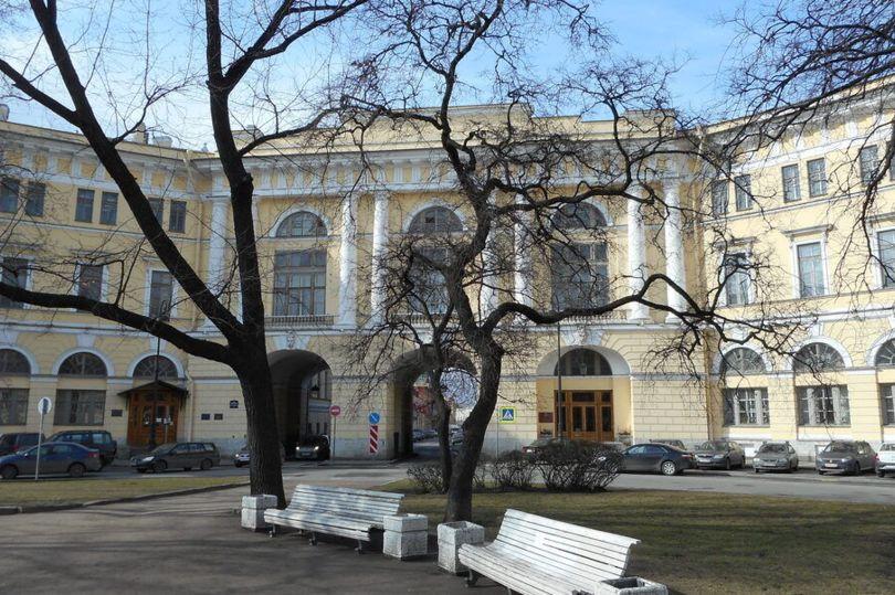 здание Министерства просвещения