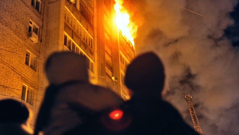 15 человек тушили квартиру в Купчино