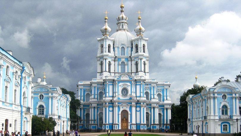 Интерьеры Смольного собора отреставрируют