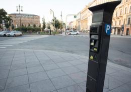 Стоимость платной парковки в Петербурге могут сделать дифференцированной