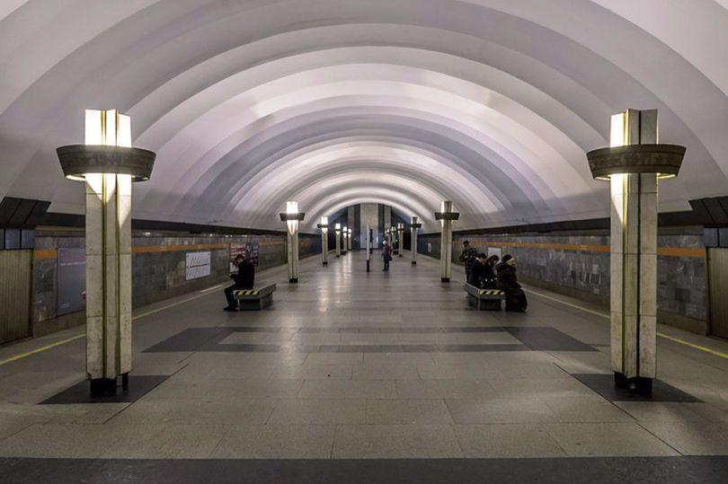 Альтернативы нет: «Ладожскую» закроют, а схемы для наземного транспорта не придумали