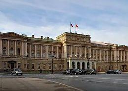 Световые фонари Мариинского дворца отреставрируют