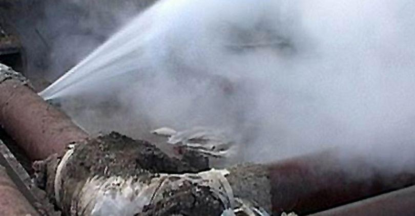 На Васильевском из-за аварии 34 дома остались без тепла
