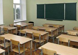Медведев предложил строить школы в Петербурге по федеральной программе