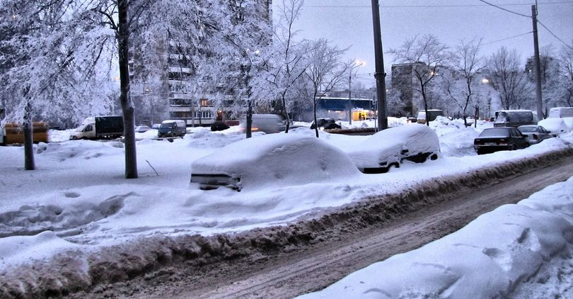 42 тыс. кубометров снега вывезли за сутки с улиц Петербурга