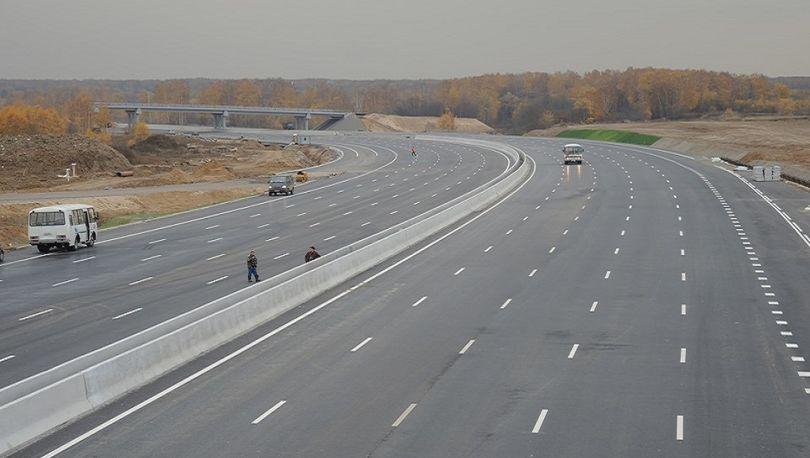 Генподрядчик скоростной трассы М-11 задолжал транспортным компаниям