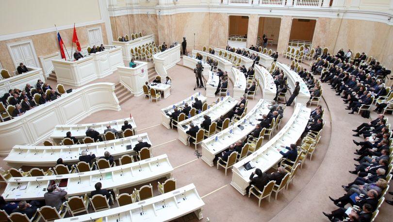 ЗакС Петербурга принял за основу закон о выборах в городской парламент
