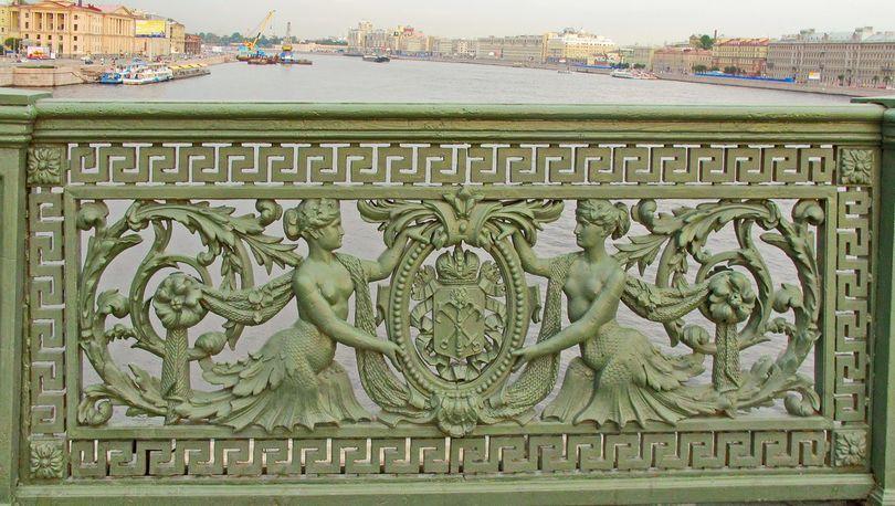 Решётка Литейного моста