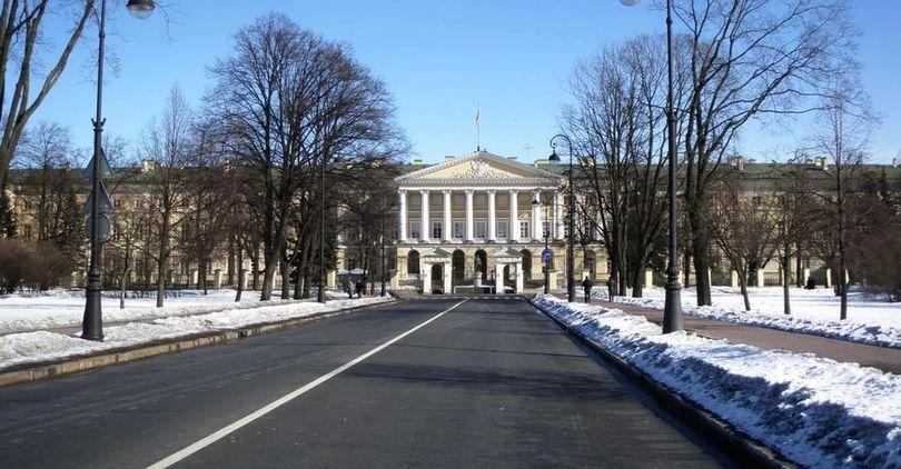 Смольный представил три варианта развития Петербурга к 2035