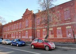 В Ломоносове продали казарму-памятник